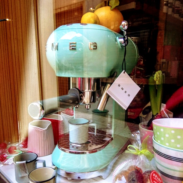 inhala cafés y tés granollers cafetera espresso smeg verde mint